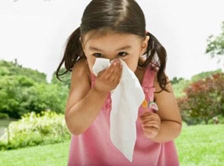 Cách xử trí khi trẻ bị ho, sổ mũi, sốt thông thường - Chăm sóc bé - Bảo vệ sức khỏe trẻ em - Bệnh về đường hô hấp ở trẻ em - Cẩm nang chăm sóc trẻ - Chăm sóc trẻ em